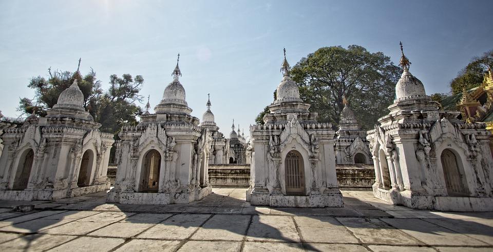 Kuthodaw, Pagoda, Mandalay, Myanmar, Monastery, Praying