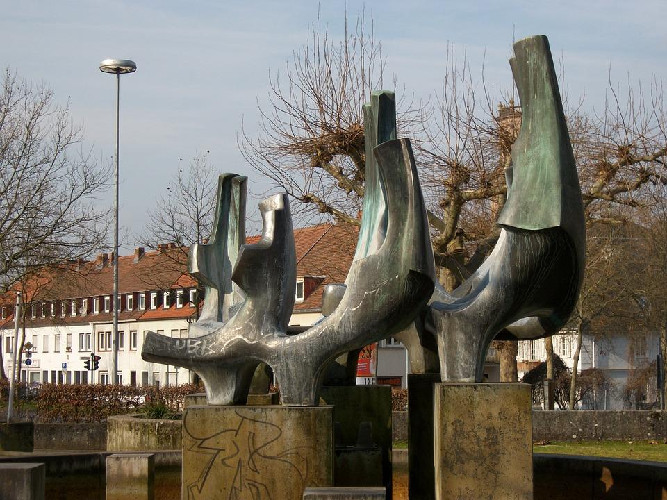 Fountain, Nanteser Place, Saarbruecken, Germany