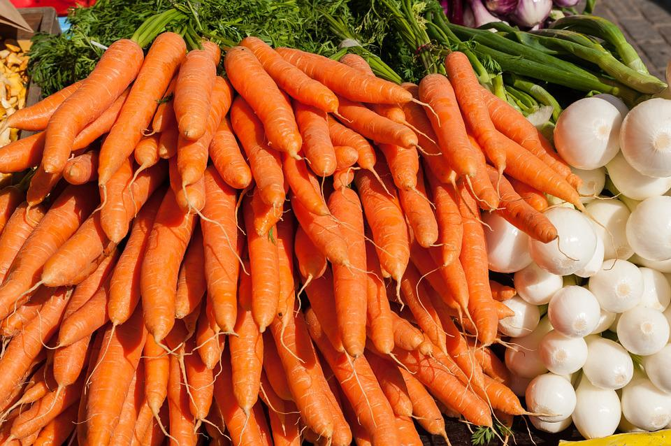 Vegetables, Carrots, Onions, Market, Nature