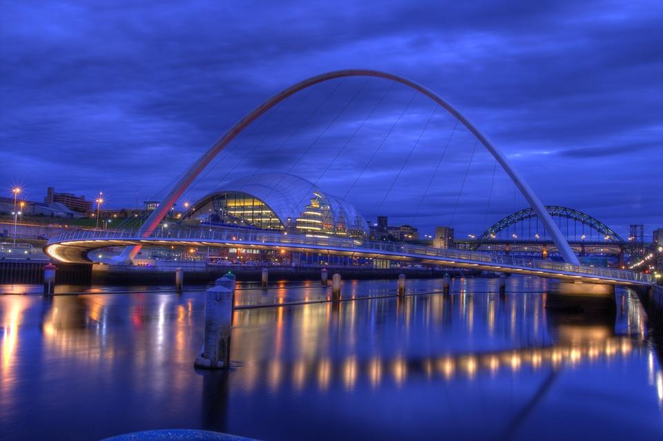 Millennium Bridge, Gateshead, Newcastle, Tyneside
