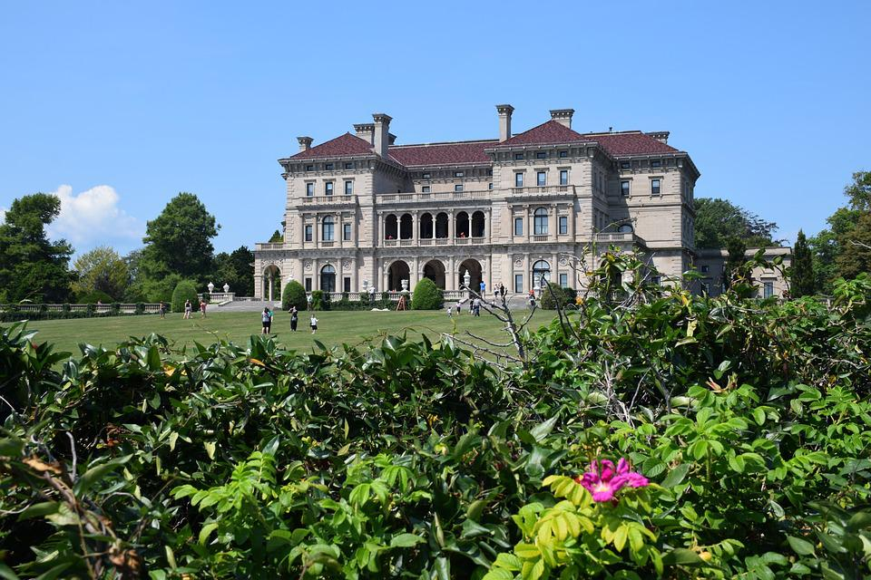 Newport, Villa, Garden