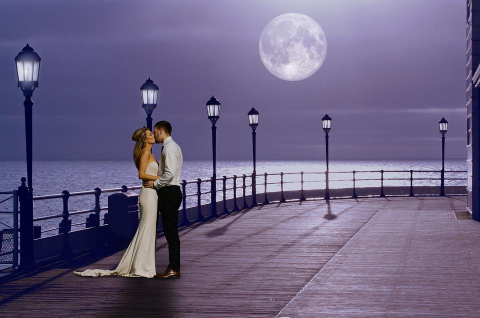 Kiss, Love, Romantic Night, Couple, Happy, Sea, Night