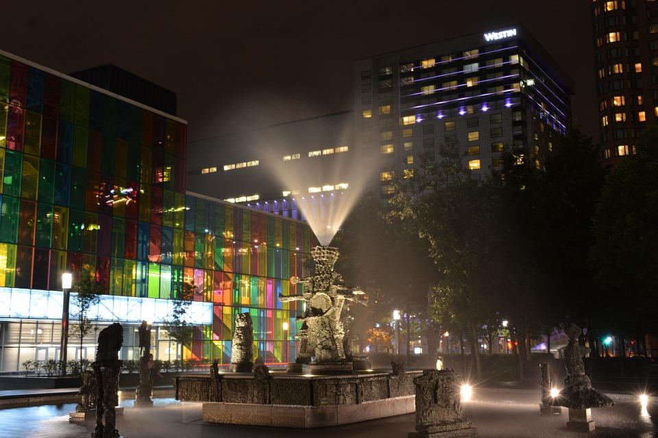 Sculpture, Riopelle, Montréal, Long Exposure, Night