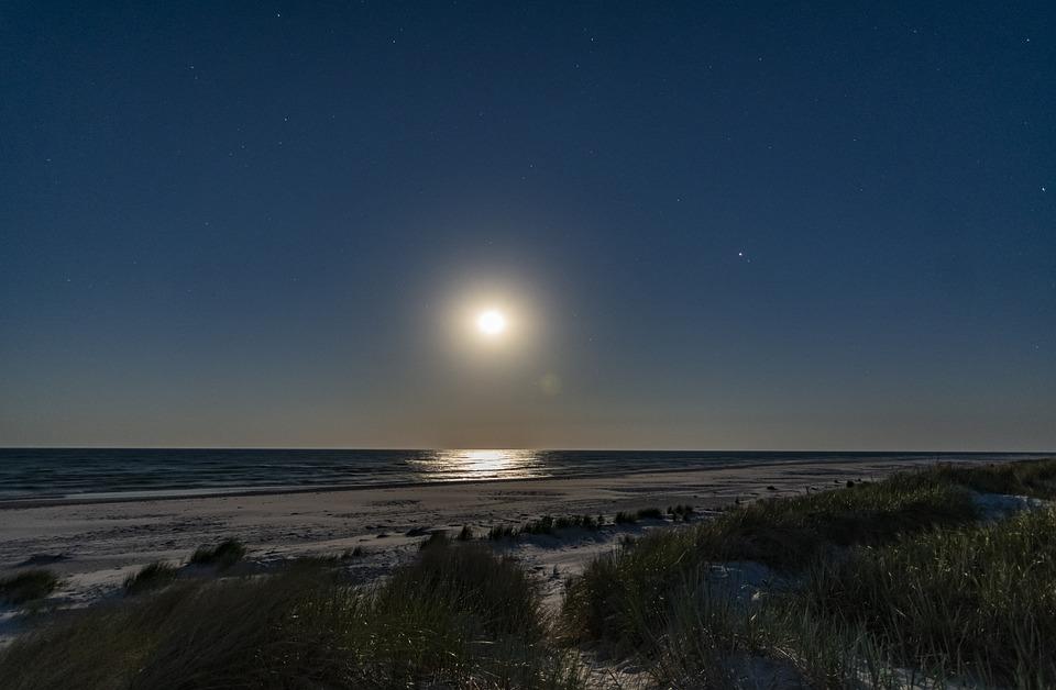 Moon, Midnight, Night, Sky, Moonlight, Full Moon, Dark