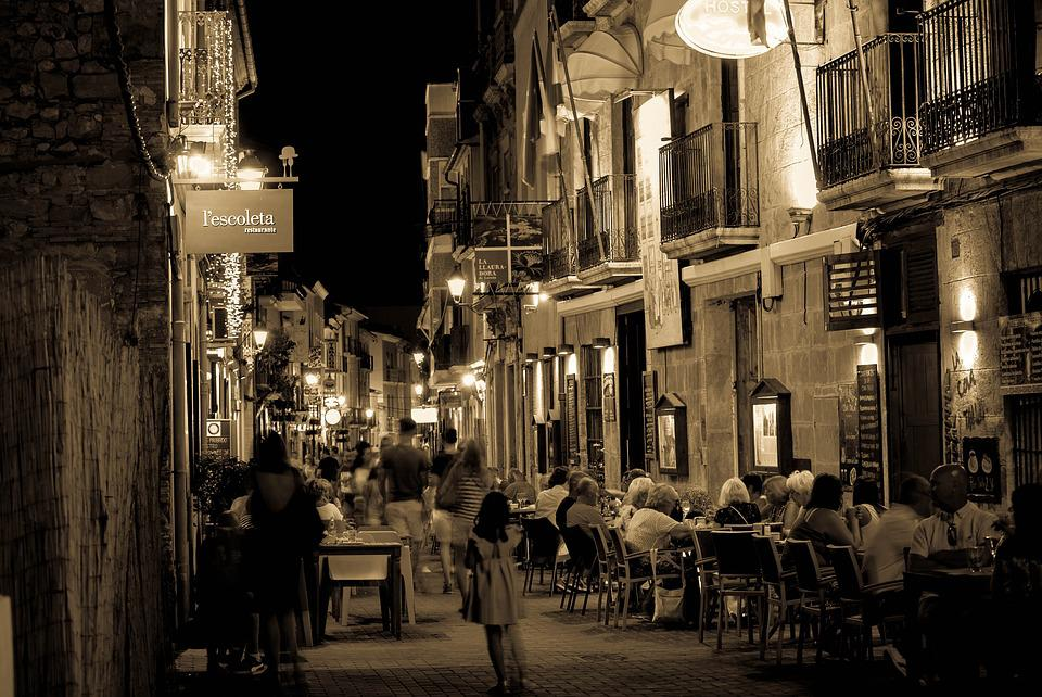 Denia, Night, Restaurants