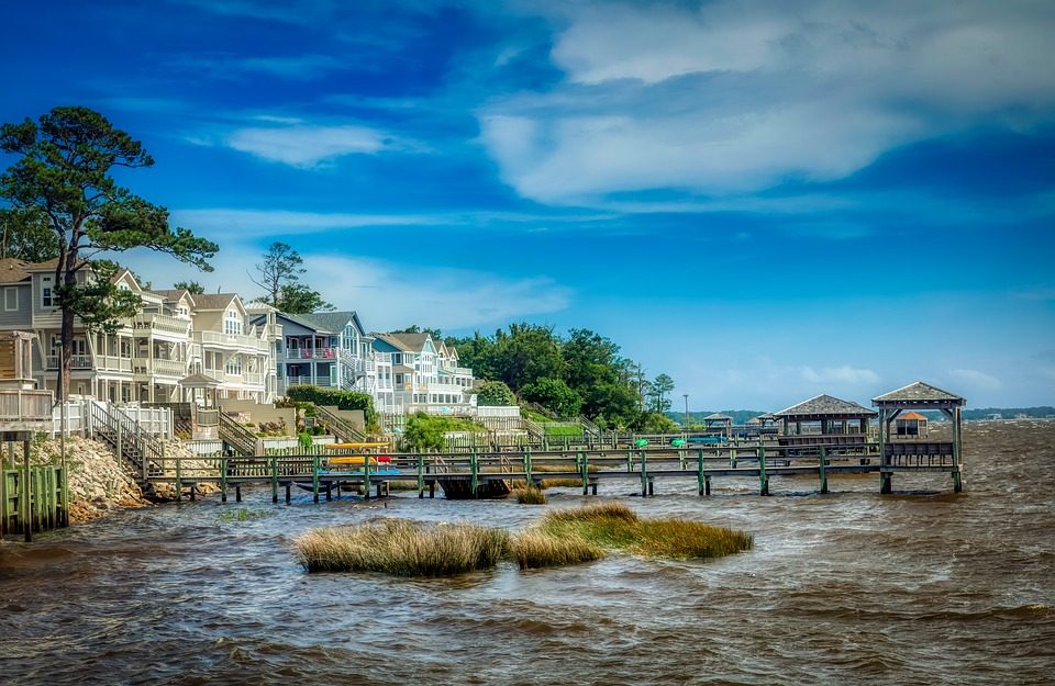 Currituck Sound, Outer Banks, North Carolina, Houses