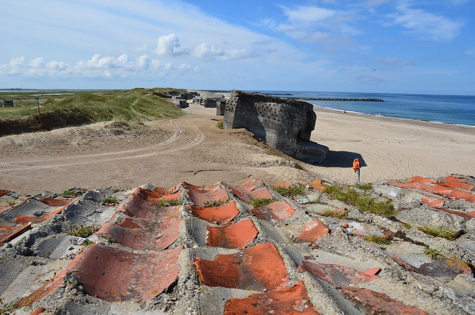 North-Sea-Sand-Beach-Denmark-Atlantic-Wall-Bunker-2535396.jpg