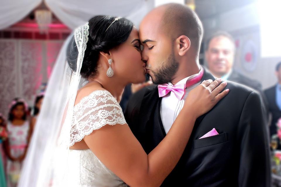 Wedding Truck Veil White Kiss Nuptials Newlyweds