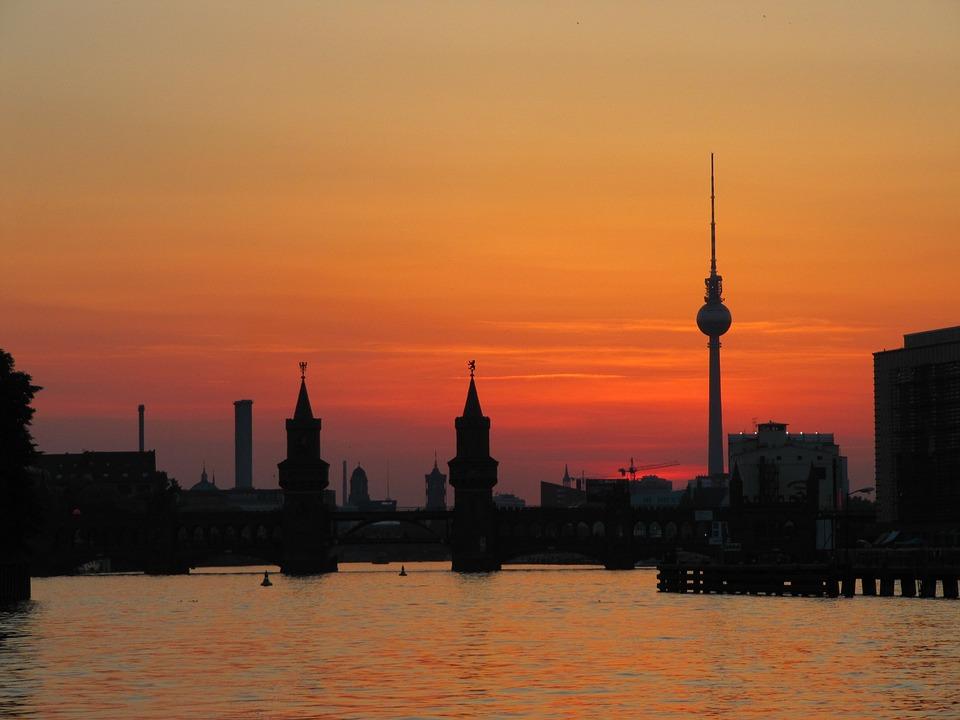 Berlin, Oberbaumbrücke, Tv Tower, Abendstimmung