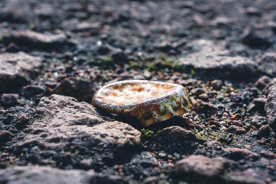 Bottle Caps, Ground, Old, Rust, Dents, Beulen, Time