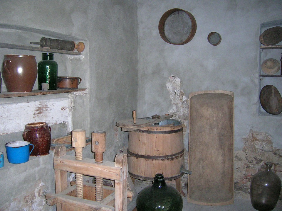 Kdyne, Museum, Ancient, Chamber Of Builders, Old Dishes