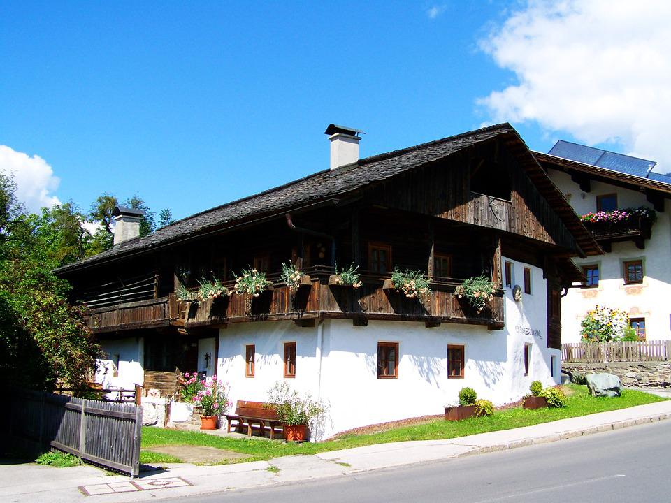 Old House, Alpine House, Architecture