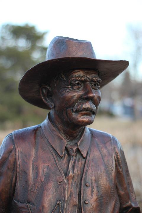 Statue, Old Man, Bronze, Sculpture, Man, Tourism