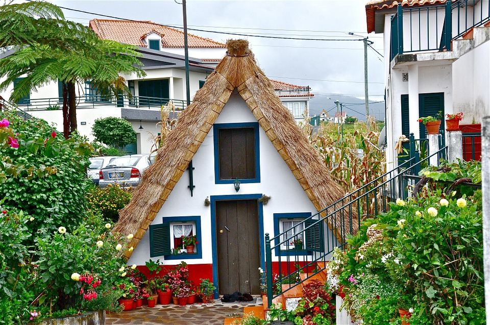 House, People, Old, Rustic, Traditional
