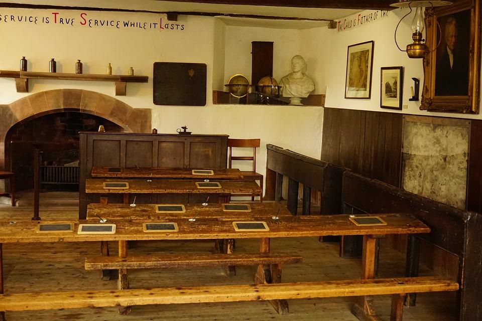 Cartmel Old School Fashioned Desk