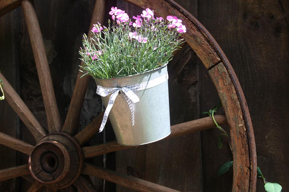 Old Wagon Wheel, Wooden Wheel, Flower