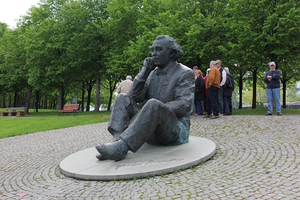 Tallienn, Open Air Theatre, Bronze, Figure, Art