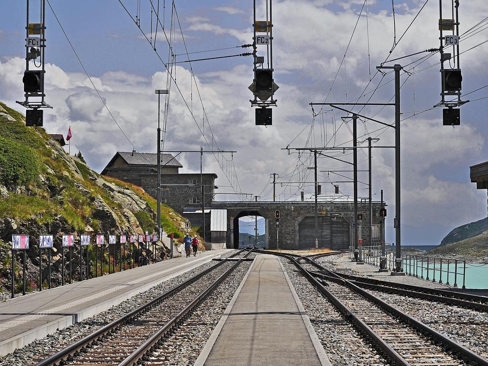 Ospizio Bernina, Through Station, Maximum Located