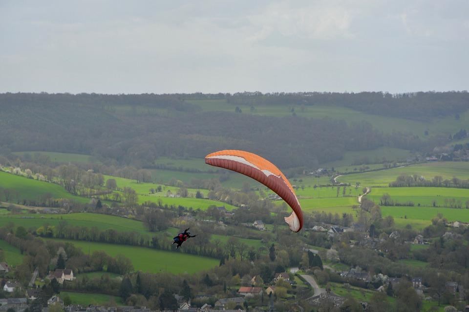 Paragliding Bis Place, Figure, Accrobatie, Sky, Outdoor