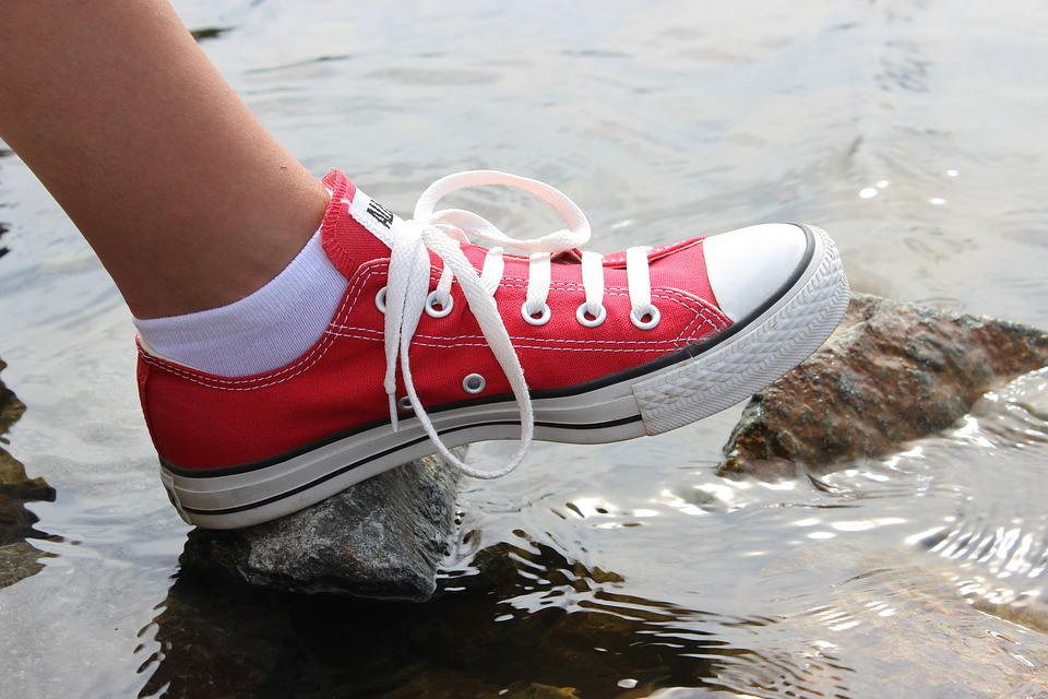 be1ea7d7ec3 Free photo Outdoors Feet Sneakers Converse Shoes Red Water - Max Pixel