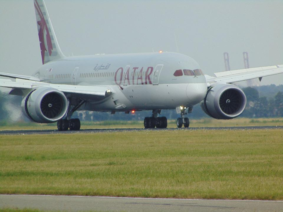 Plane, Dreamliner, Qatar Airlines, Take Off, Overflow