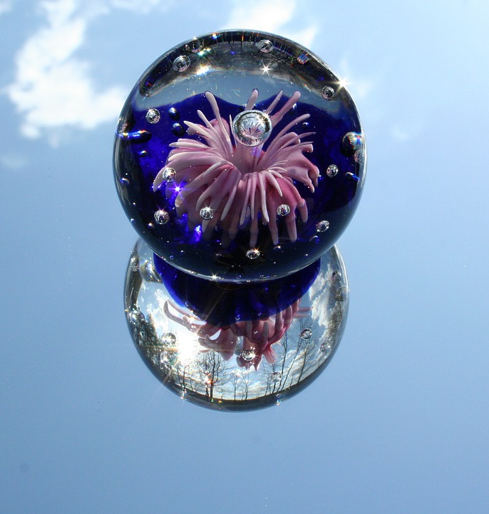 Paperweight, Glass, Mirror, Sphere, Globe, Reflection