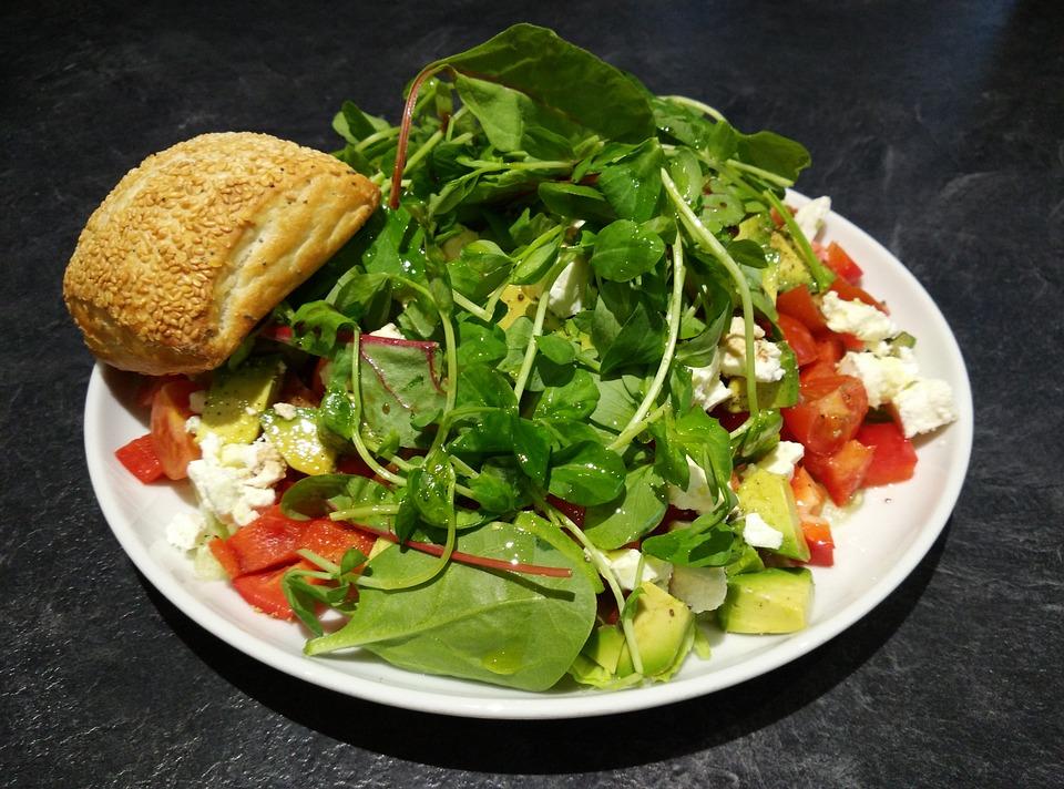Mixed Salad, Sesame Seed Bun, Tomato, Paprika