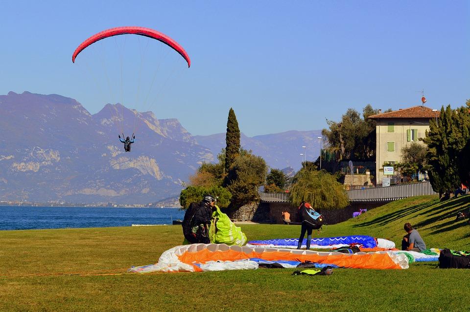 Paragliding, Landing, Prato, Lake, Fly, Sport, Sky