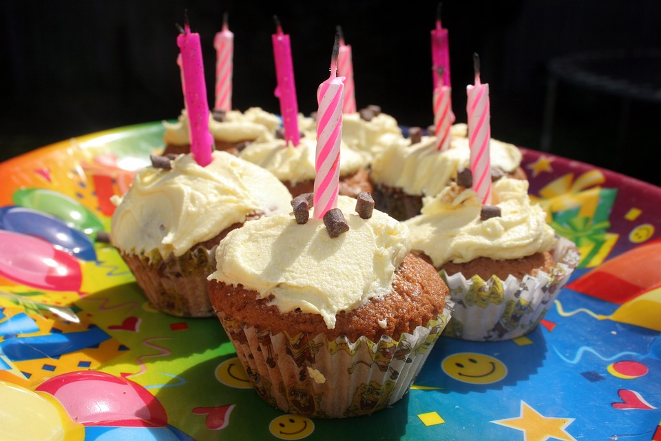 Cupcake Candles Birthday Party Cake