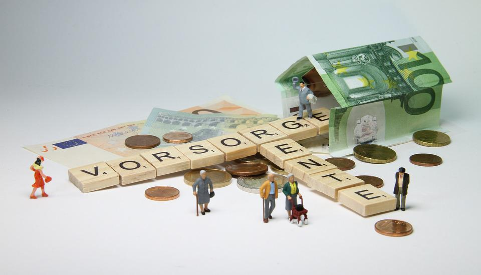 Pension, Miniature Figures, Pensioners, Rollator
