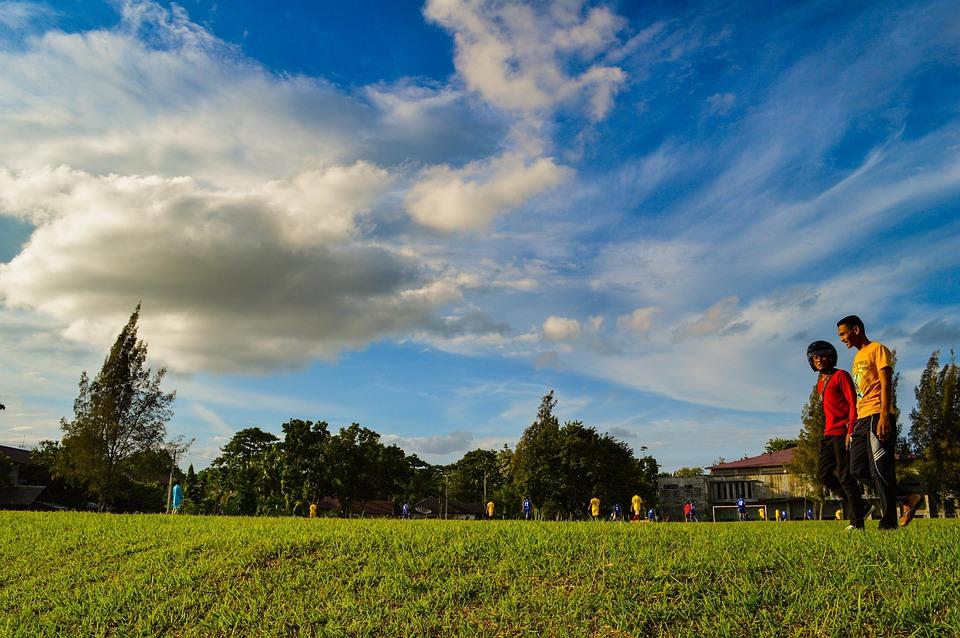 People, Walking, Strolling, Park, Grass, Sky, Clouds