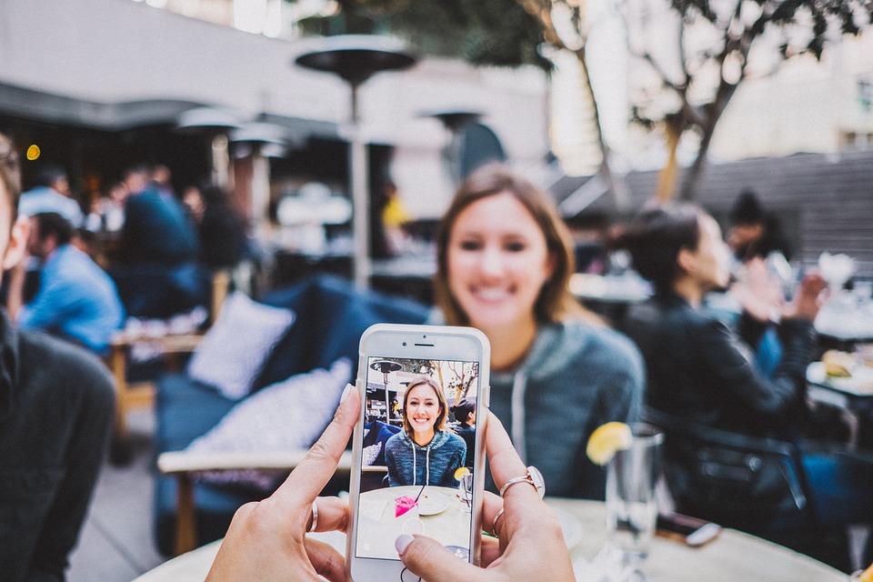 Adult, Camera, Enjoyment, Focus, Girl, Iphone, People
