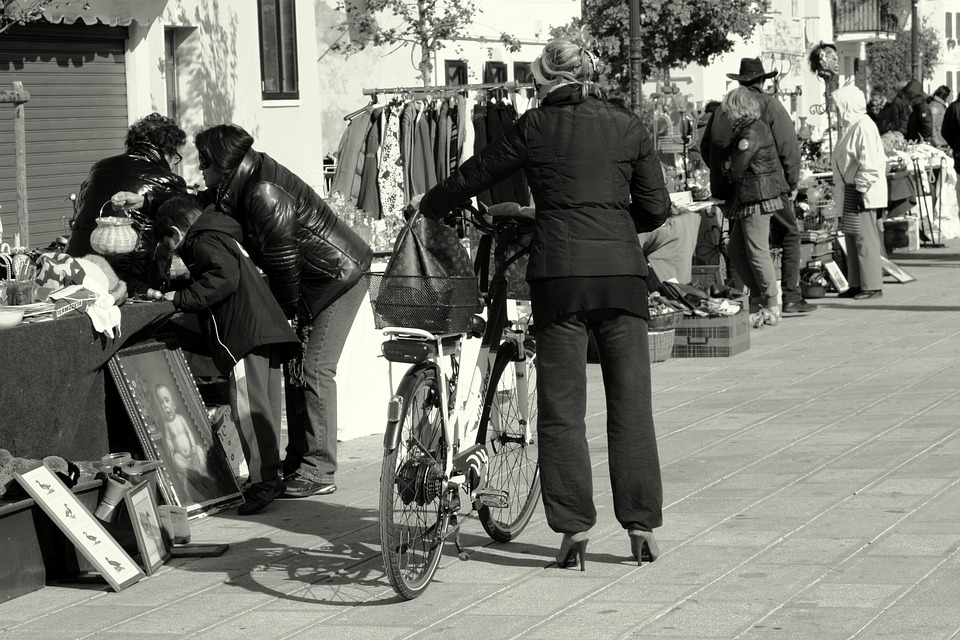 Fleamarket, Woman, Bicycle, Stilettos, Venezia, People