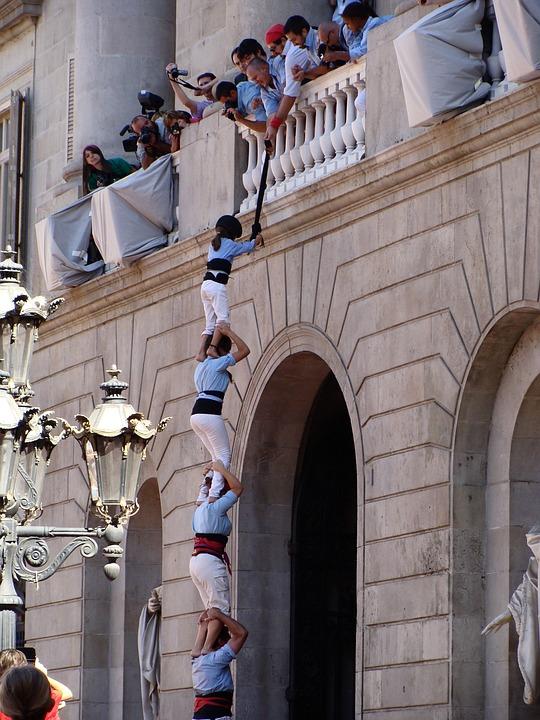 La Merce, Barcelona, Acrobats, Performance, Celebration