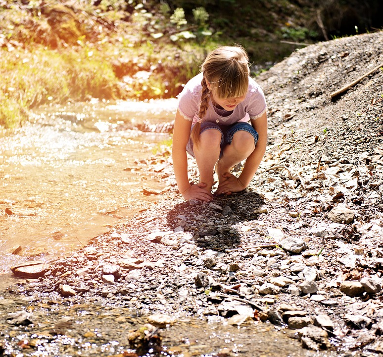 Person, Human, Child, Girl, Blond, Barefoot, Bach