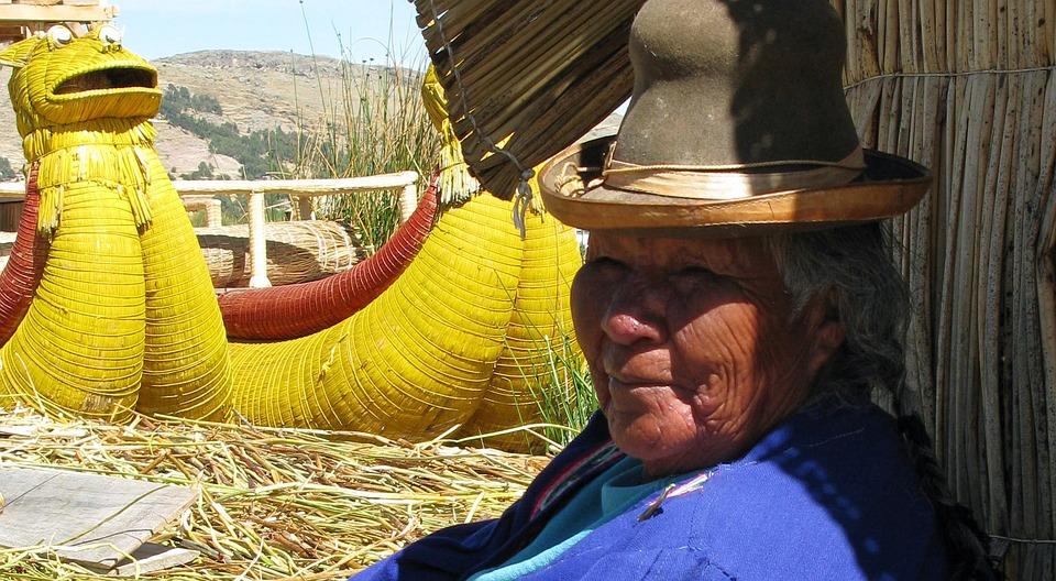 Peru, Titcacasee, Uros, Floating Islands, Woman