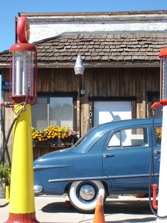 Auto, Oldtimer, Petrol Stations, Gas Pump, Yellow, Usa