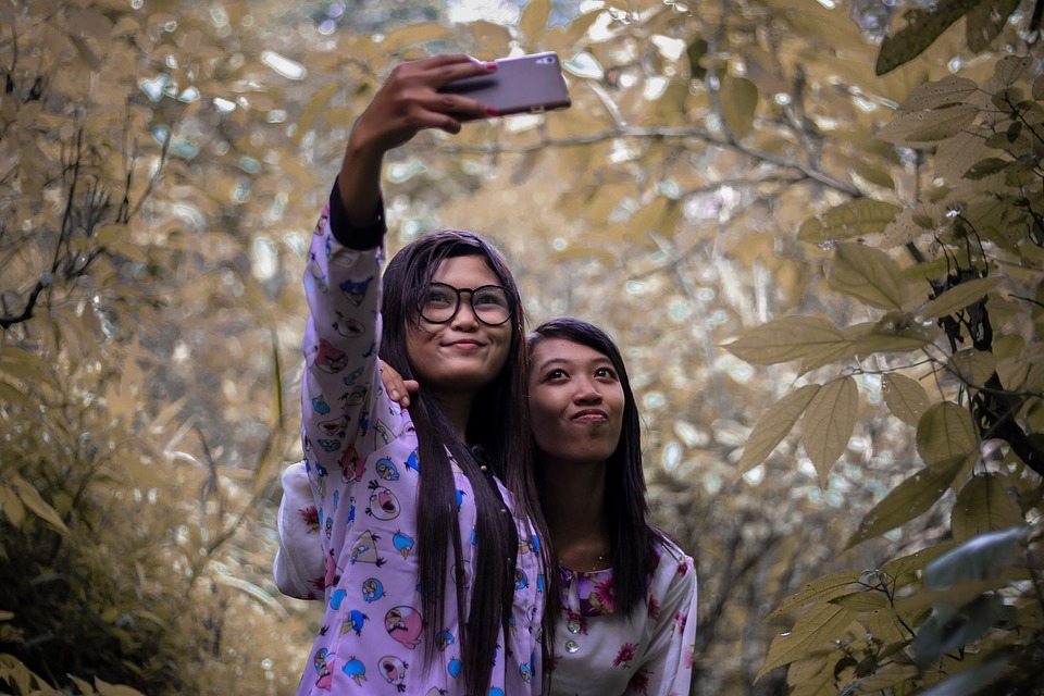Girl, Selfi, Leaf, Young, Take A Photo, Photographing