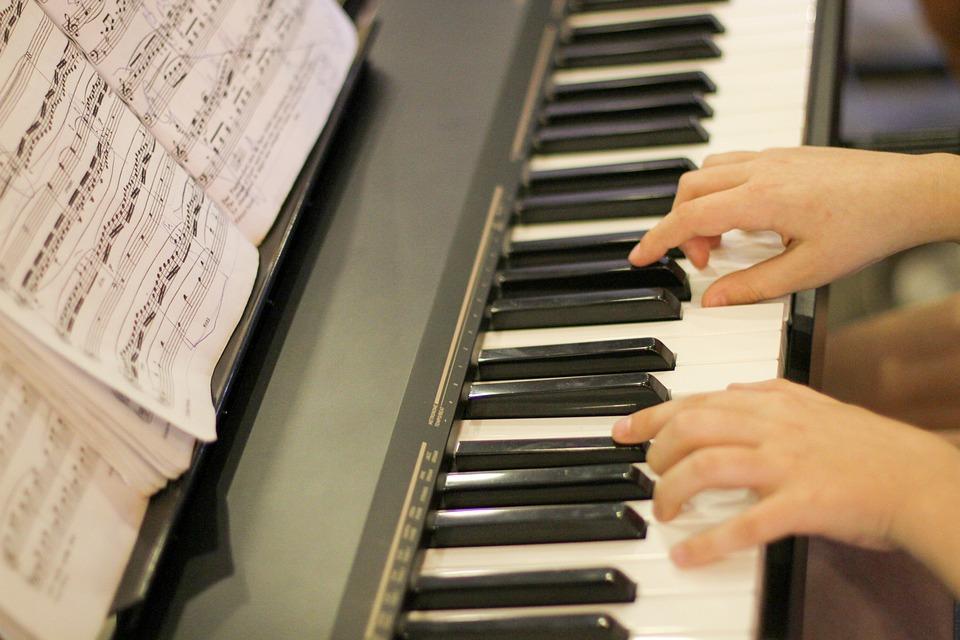 Piano, Hand, Playing Piano, Keyboard, Musical, Play