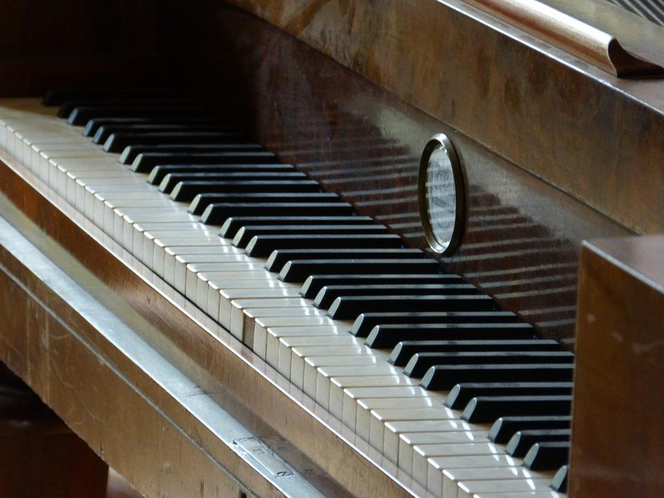 Piano, Old, Historically, Castle Ribbek, Music, Keys