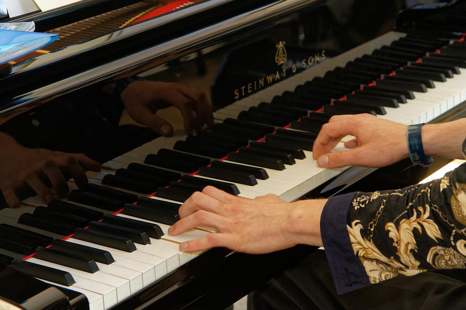Piano, Keyboard, Piano Keys, Play Piano, Hands, Wing