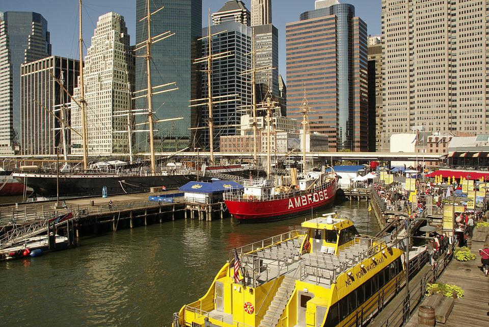 Usa, New York, Low Manhattan, Port, Pier 19, Pier