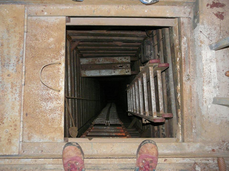 Shaft, Pit Cave, Speleology, Cave, Dark, Deep, Climb