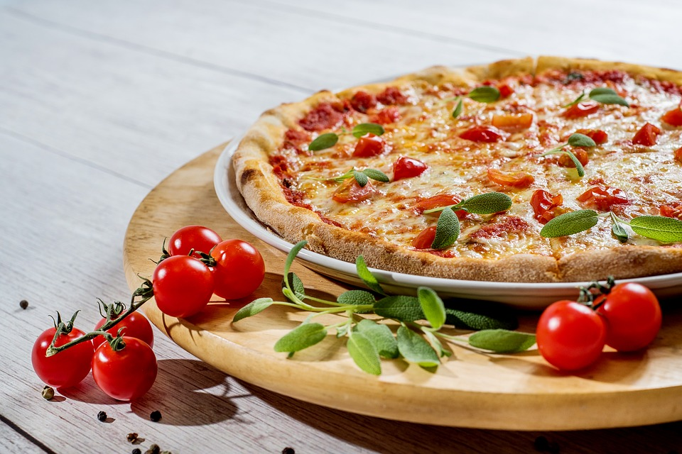 Pizza, Plate, Food, Cheese, Lunch, Vegetables, Italian