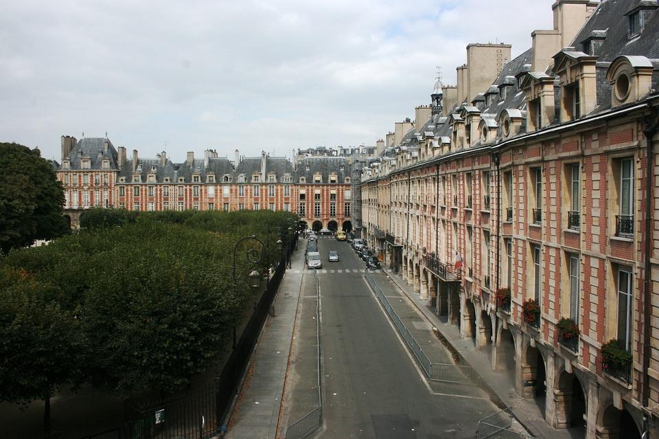 Place De Vosges, Facades, Paris