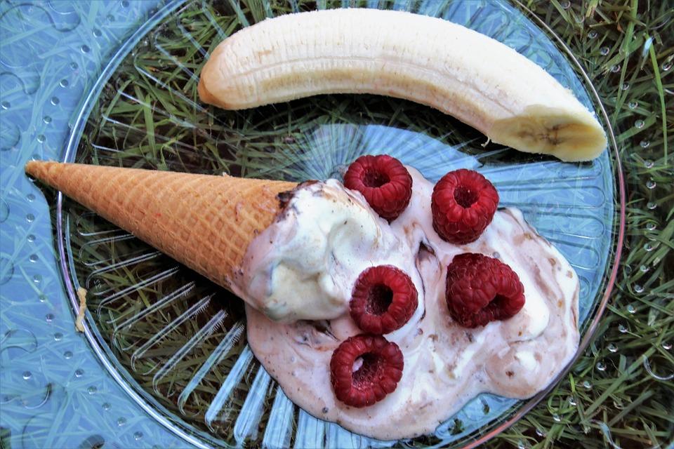 Ice Cream, Boiling Hot, Raspberries, Plate, Dessert