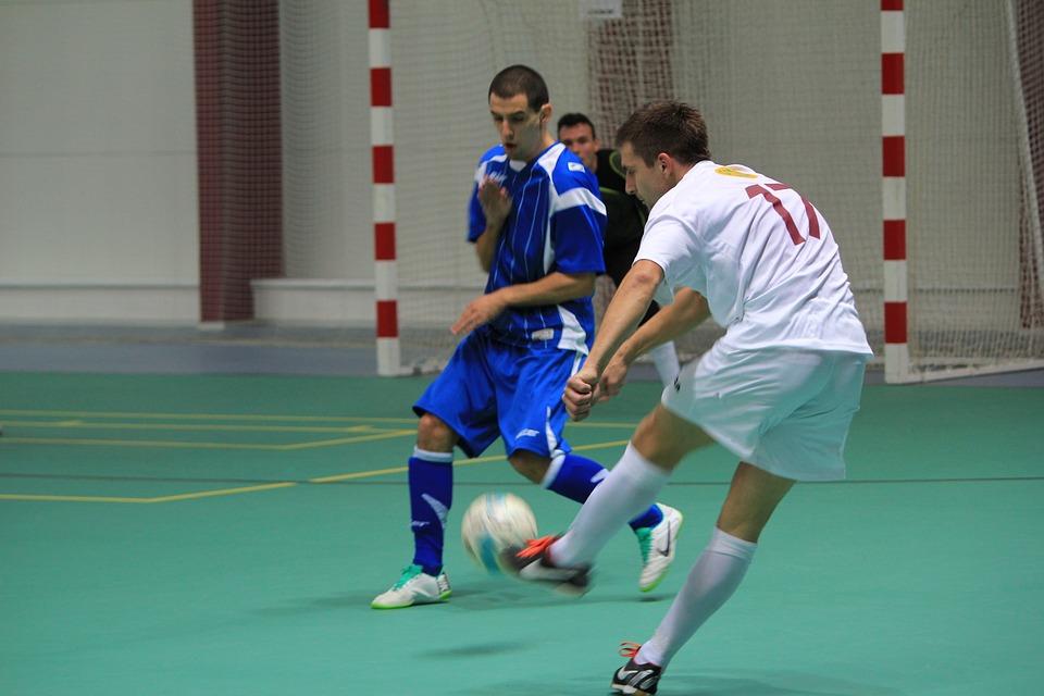 Professional vs Amateur Sports