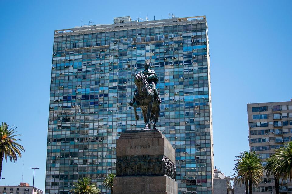 Reiter, Skyscraper, Statue, Plaza Independencia