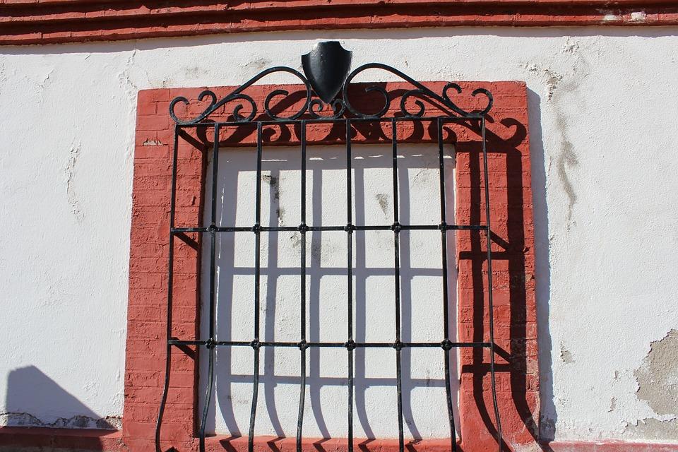 Window, Bulls, Plaza