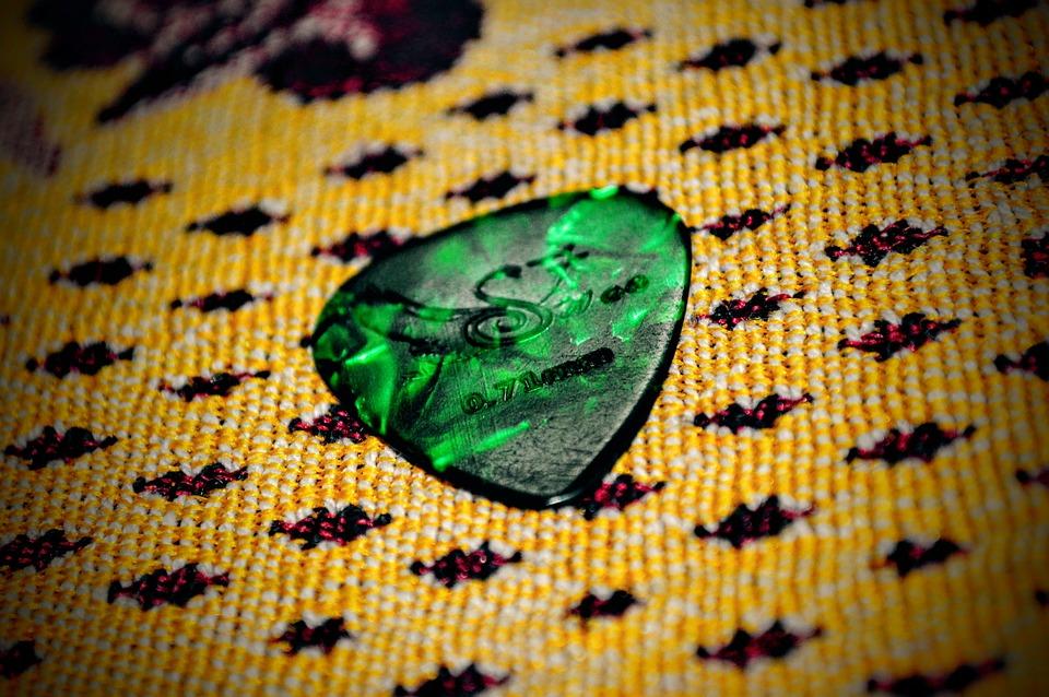 Guitar Pick, Plectrum, Green, Triangular, Accessory